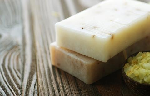 Organic-Soap_50424982