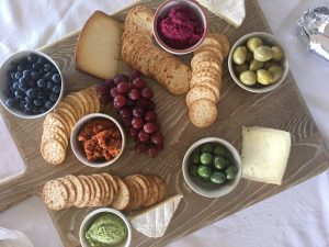 How to Build A Cheeseboard - An Apple a Day - Alyse Cocliff
